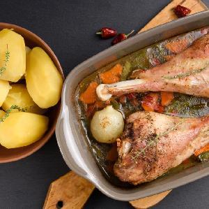 Pieczone podudzia indyka: soczysty i smaczny obiad