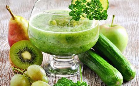 Sok z ogórków i zielonych owoców - przepis