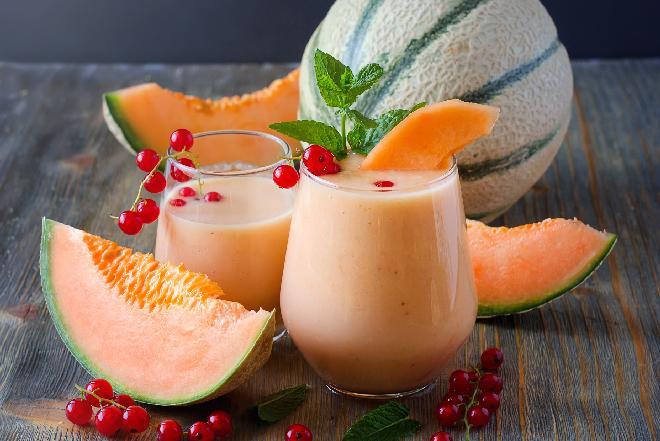 Smoothie: melon, porzeczka i jogurt