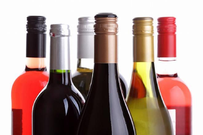 Jaki alkohol ma najmniej kalorii? Co pić na diecie?