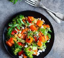 Surówka z brokułów z papryką - samo zdrowie!
