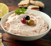 Taramasalata - przepis, jak zrobić grecką pastę z ikry i chleba?