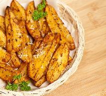Najlepsze pieczone ziemniaki z parmezanem: ten włoski przepis podbił świat!