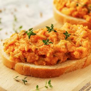 Zdrowa i prosta pasta warzywna do chleba