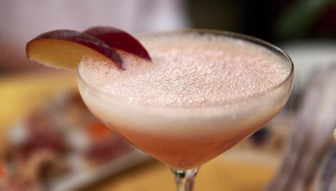 bellini-z-rabarbarem-prosty-przepis-na-wiosenny-drink