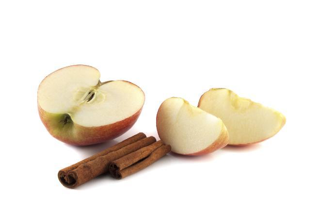 Domowej roboty kompot z jabłkami i pistacjami [PRZEPIS]